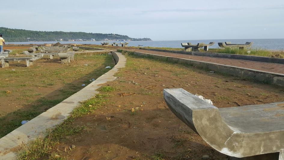 Proses pembangunan Taman Ya'ahowu | Foto: Irwan Delaw